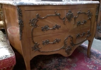 LOUIS XV MARBLE TOP COMMODE WITH ORMOLU (3).jpg