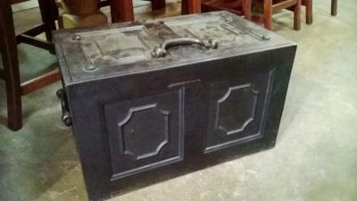 15C20 METAL STRONG BOX (1).jpg
