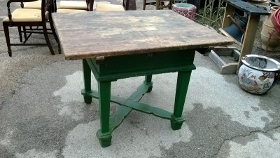 15C21100 GREEN PAINTED PINE BAKERS TABLE   (1).jpg