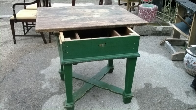 15C21100 GREEN PAINTED PINE BAKERS TABLE   (11).jpg