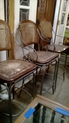 SET OF 3 BAR STOOLS (1).jpg