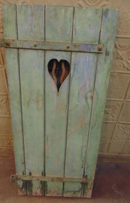 14C31242 GREEN HEART SHUTTER SINGLE