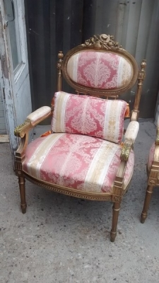 15D22105 LOUIS XVI GILT FAUTEUIL CHAIRS (5).jpg