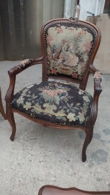 15D22109 LOUIS XV ARM CHAIR (1).jpg