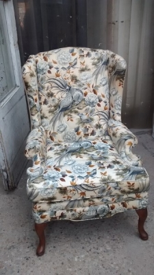 15D22132 QUEEN ANNE WINGBACK CHAIR (1).jpg