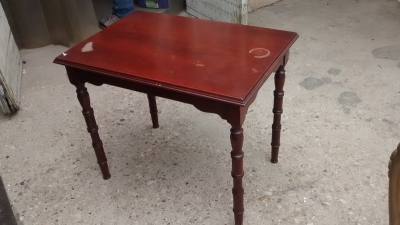 15D22135 TURNED LEG SIDE TABLE.jpg