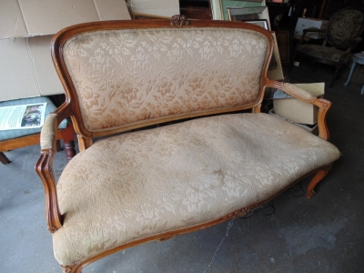 14C17500  FRENCH STYLE SETTEE FRAME