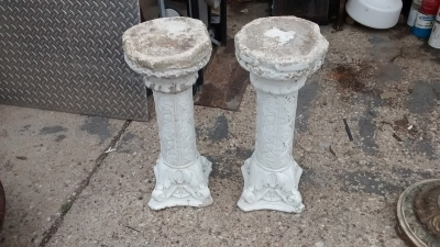 15D23616 PAIR OF LOW CONCRETE PEDESTALS (1).jpg