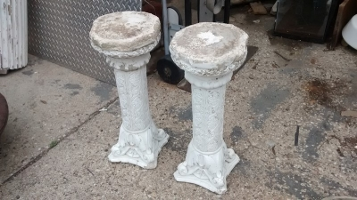 15D23616 PAIR OF LOW CONCRETE PEDESTALS (2).jpg