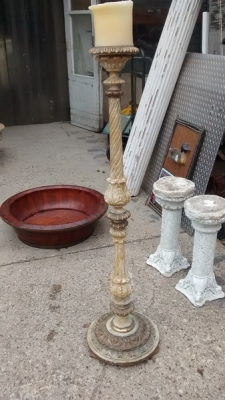 15D23618 ITALIAN PAINTED CANDLE HOLDER.jpg