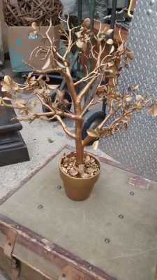 15D23621 SMALL GOLD PAINTED POTTED TREE.jpg