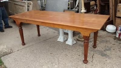 15D23636 PINE HARVEST TABLE WITH TURNED LEGS (1).jpg