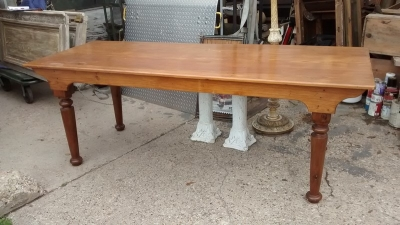 15D23636 PINE HARVEST TABLE WITH TURNED LEGS (4).jpg