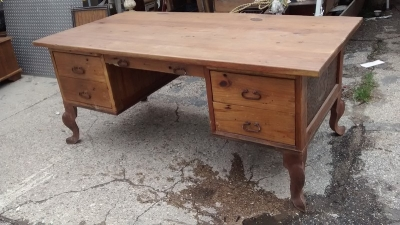 15D23638 PINE DESK WITH METAL LEGS (2).jpg