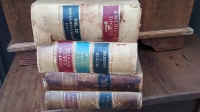 15D23642 LARGE LEATHER BOOKS.jpg