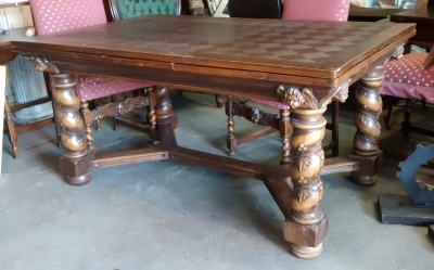 15E04400 BARLEY TWIST DRAWLEAF TABLE WITH ANGEL HEADS AND IVY DETAIL (4).jpg