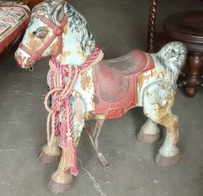 15E04402 TOY METAL HORSE (1).jpg