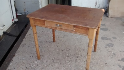15D27107 FRANCH FAUX BAMBOO LIBRARY TABLE (2).jpg