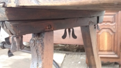 15E07002 18TH CENTURY IRON STRETCHER TRESTLE TABLE (5).jpg