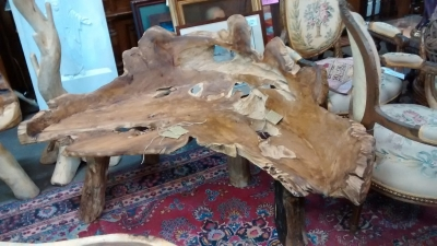 15E11507 LARGE BENCH MADE FROM HOLLOWED OUT TREE.jpg