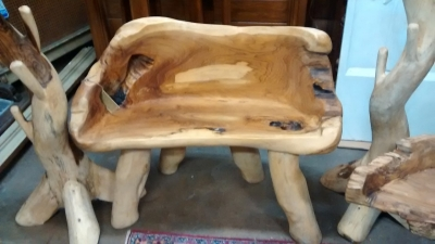15E11510 CURVED SMALL BENCH MADE FROM LOG.jpg