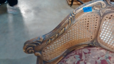 15E12006 LOUIS XV  STYLE GOLD BERGERE CHAIR NOT VERY OLD (3).jpg