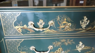 15E12010 GREEN CHINOISERIE CHEST WITH ORMALU (2).jpg