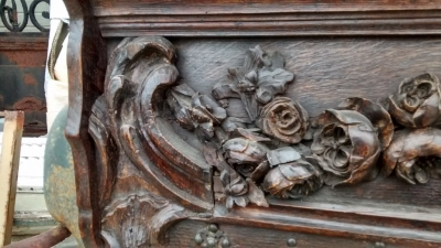 15E19 CARVED ROSE WALL SHELF AND HANGER (3).jpg