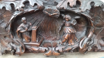 15E19016 WOOD CARVING WITH ANGEL AND WOMAN PRAYING (2).jpg