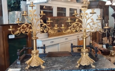 15E19027 PAIR OF BRASS CANDLEABRAS (2).jpg