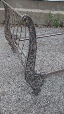 15E19048 FRENCH IRON DAY BED (2).jpg