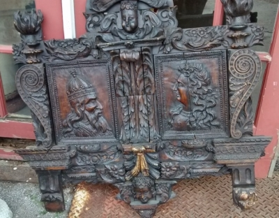 15E19084 17TH CENTURY CARVING WITH 18TH CENTURY SURROUND (1).jpg