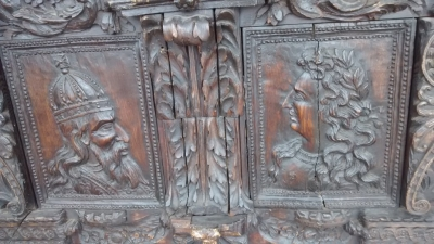 15E19084 17TH CENTURY CARVING WITH 18TH CENTURY SURROUND (2).jpg