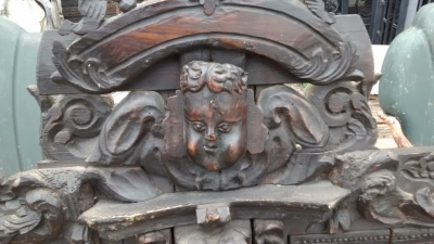 15E19084 17TH CENTURY CARVING WITH 18TH CENTURY SURROUND (4).jpg
