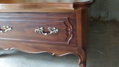 15E19101 LOUIS XV STYLE COCKTAIL TABLE WITH DRAWER  (2).jpg