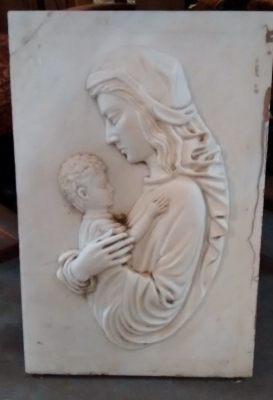 15E19102A CARVED MARBLE MOTHER  AND CHILD (1).jpg