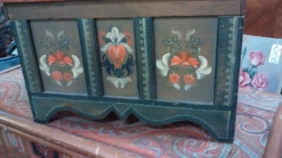36- SMALL PAINTED EUROPEAN COFFER (1).jpg