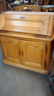 15E19029 LIGHT OAK PEGGED 19TH CENTURY SECRETARY (1).jpg