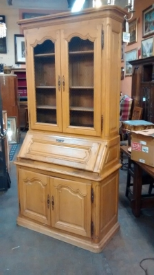 15E19029 LIGHT OAK PEGGED 19TH CENTURY SECRETARY (2).jpg