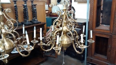 15E19149 WILLIAMSBURG SOLID BRASS 8 LIGHT CHANDELIER.jpg