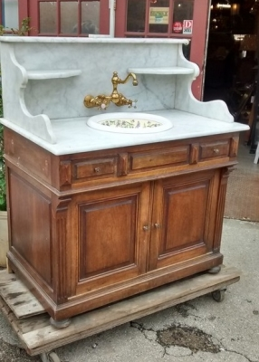 15E19003MARBLE TOP WASHSTAND WITH GREAT BRASS HARDWARE (1).jpg
