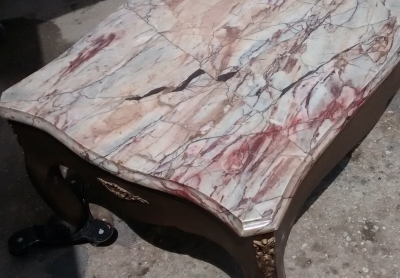15E19160 LARGE MARBLE TOP COFFEE TABLE WITH ORMOLU FEET (3).jpg