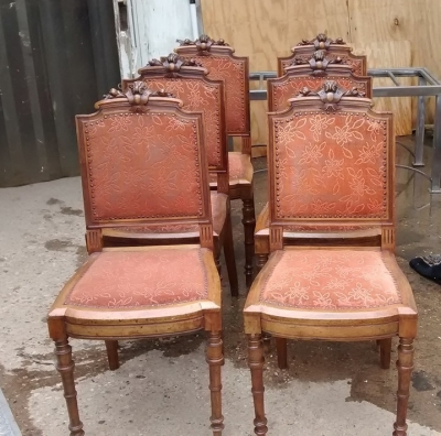 15E19188 SET OF 6 RENAISSANCE CARVED DINING CHAIRS (1).jpg