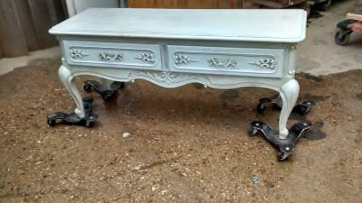 FAM PAINTED LOUIS XV BENCH WITH DRAWERS (1).jpg