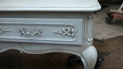 FAM PAINTED LOUIS XV BENCH WITH DRAWERS (2).jpg