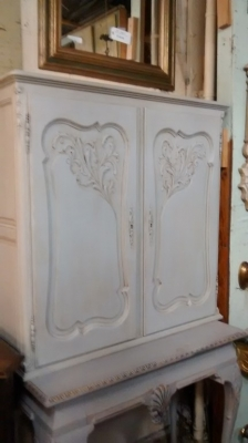 FAM PAINTED LOUIS XV WALL CABINET (1).jpg