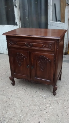 15E16 SMALL LOUIS XV CABINET WITH DRAWER.jpg