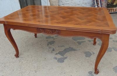14D02019 LOUIS XV WALNUT DRAWLEAF DINING TABLE