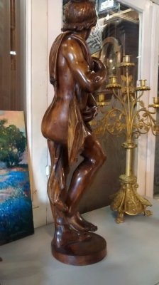 CARVED LADY STATUE (2).jpg