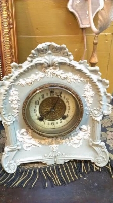 MANTLE CLOCK.jpg